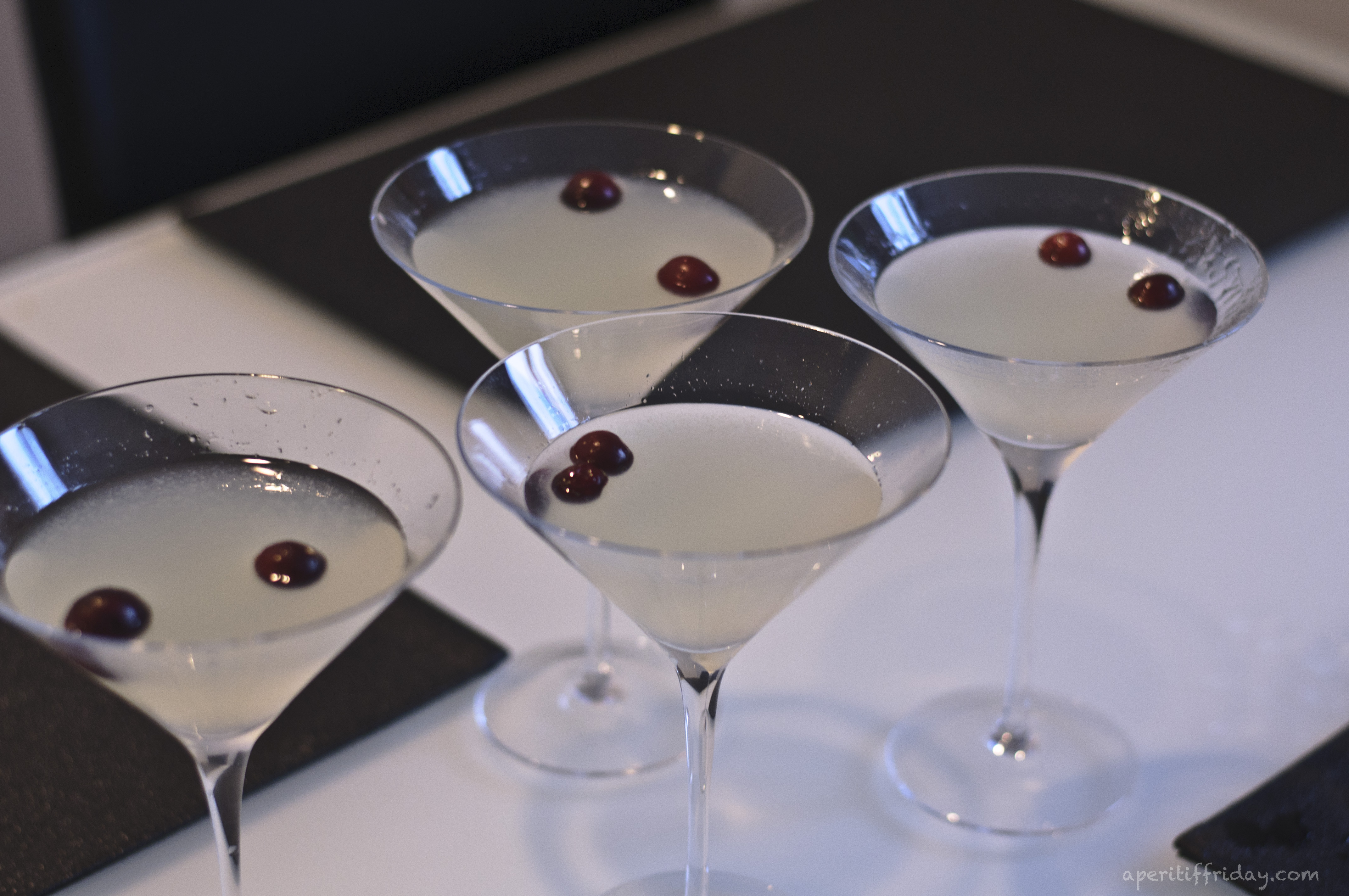 Winter White Cosmo (inspired by Bonefish Grill) - Apéritif Friday